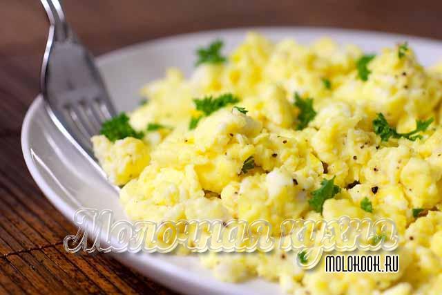 Рецепт яичницы-болтуньи