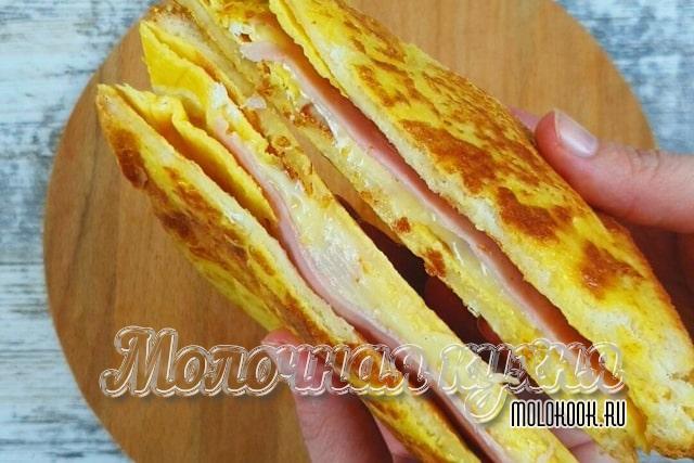 Бутерброды в яичнице
